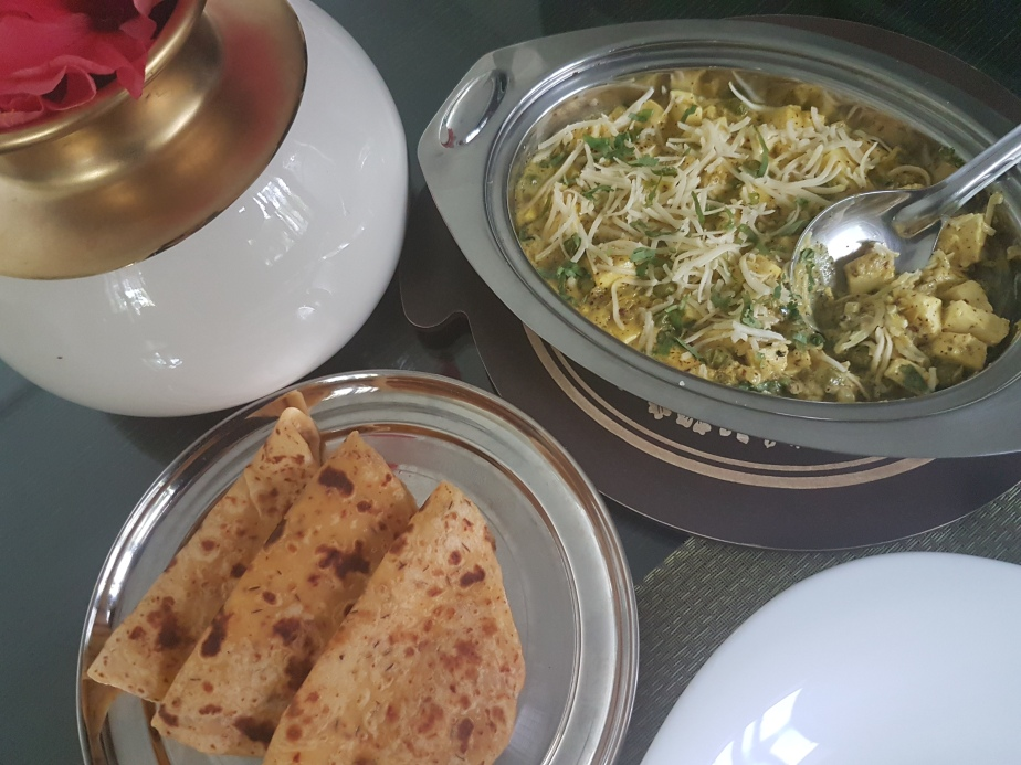 SARSON(MUSTARD) PANEER AND PEAS WITH CHILLI OIL KULCHA