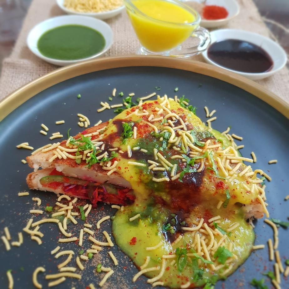 Grilled Sindhi DalSandwich